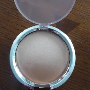 Nwt it ombre radiance bronzer
